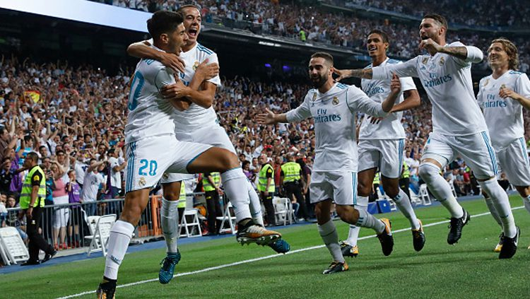 Real Madrid unggul 2-0 atas Barcelona. Copyright: © Getty Images