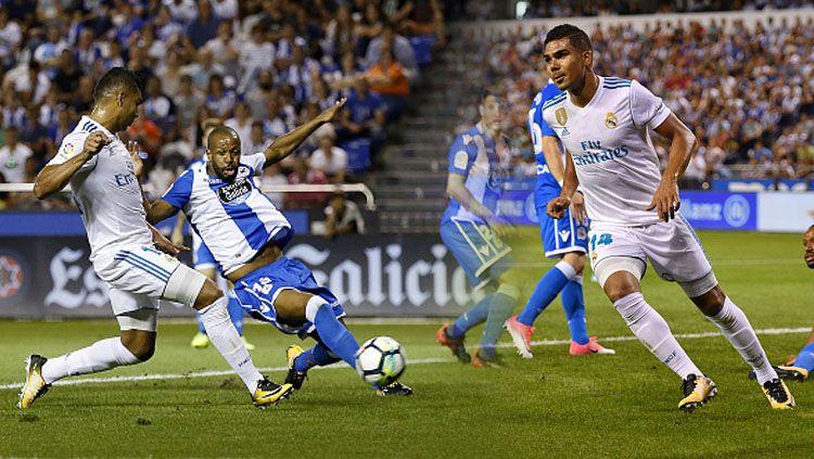 Selebrasi Casemiro (Real Madrid) setelah menjebol gawang Deportivo La Coruna. Copyright: © Indosport.com
