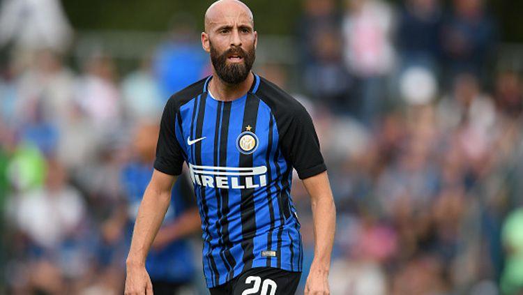 Gelandang Inter Milan, Borja Valero, jadi rebutan tiga klub Serie A Italia, usai dipastikan akan dilepas gratis saat kontraknya berakhir 31 Agustus 2020 ini. Copyright: © Getty Images