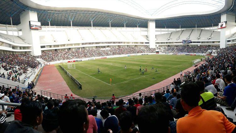 Stadion Batakan. Copyright: © twitter.com/AIS_BPN