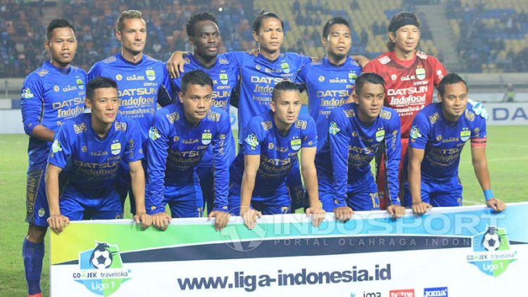 Persib Bandung memilih fokus mempersiapkan diri menghadapi Bali United pada laga kandang Gojek Traveloka Liga 1 di Stadion Si Jalak Harupat, Kabupaten Bandung, Kamis (21/09/17). Copyright: © Arif Rahman/Indosport.com