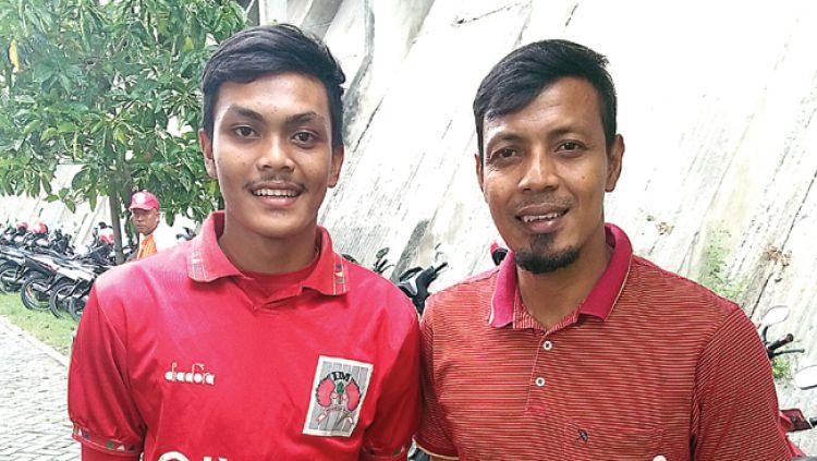 Anak dan ayah sesama pemain belakang Timnas. Copyright: © Jawa Pos
