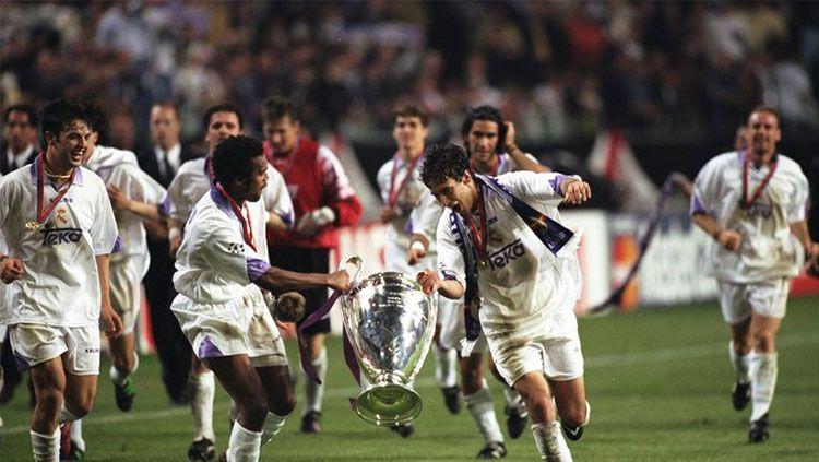 Skuat Real Madrid saat masih diperkuat Raul Gonzales, Christian Karembeu, dan Fernando Morientes. Copyright: © skysports.com