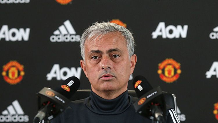 Jose Mourinho, pelatih Man United. Copyright: © INDOSPORT