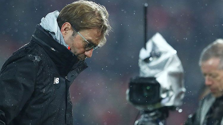 Jurgen Klopp tertunduk lesu. Copyright: © getty images
