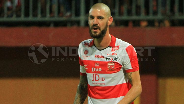 Dane Milovanovic, mantan pemain Madura United. Copyright: © INDOSPORT/Ian Setiawan