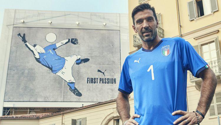 Gianluigi Buffon jersey baru Italia. Copyright: © Twitter@azzurri