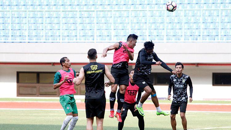 Situasi latihan Persiba Balikpapan saat di Stadion Patriot jelang lawan Bhayangkara FC. Copyright: © Media Bhayangkara FC