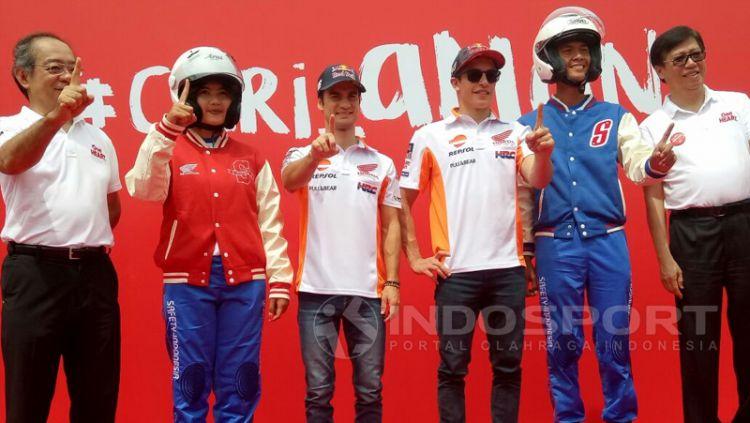 Dani Pedrosa dan Marc Marquez saat mengunjungi SMK Teknik Sepeda Motor Astra Honda. Copyright: © Annisa Hardjanti/Indosport.com