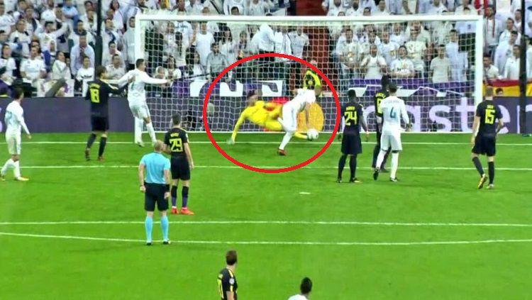 Penyelamatan fantastis Hugo Lloris saat menghadapi Real Madrid. Copyright: © Twitter.com/@UNILADFooty