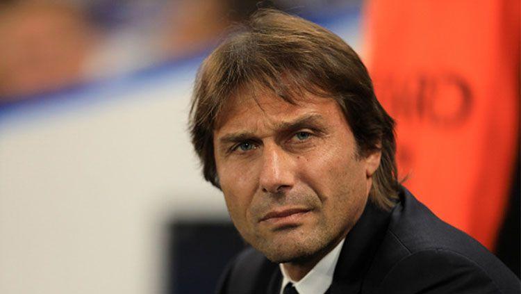 Pelatih Chelsea, Antonio Conte. Copyright: © INDOSPORT