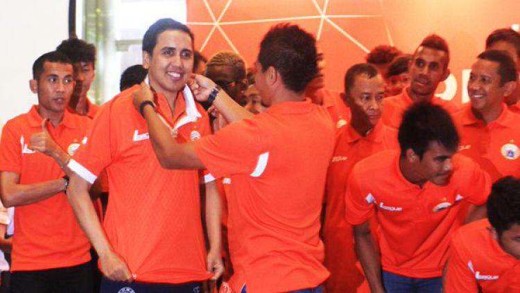 Beberapa selebriti Indonesia ternyata pecinta klub Indonesia garis keras. Siapa saja mereka? Copyright: © Internet
