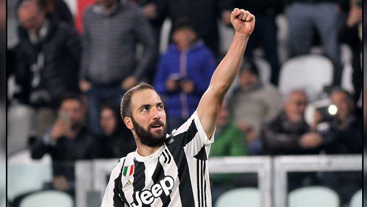 West Ham ikut rebutan bersama Inter Milan dan AS Roma dalam mendatangkan pemain Juventus, Gonzalo Higuain. Copyright: © INDOSPORT