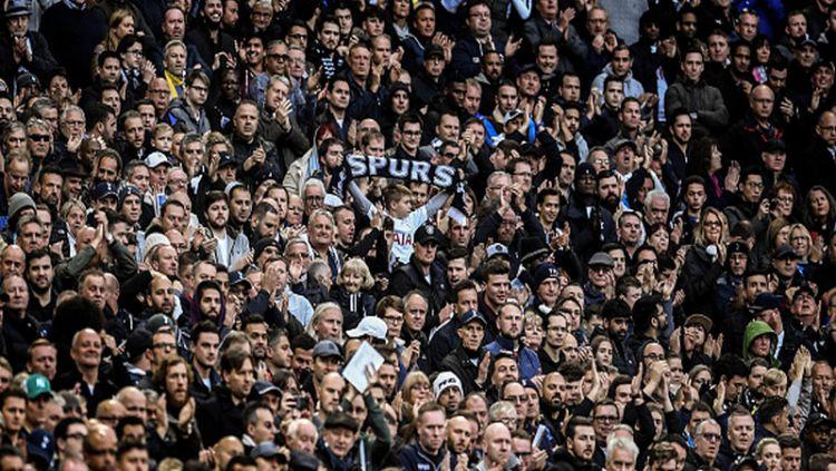Fans Tottenham Hotspur. Copyright: © INDOSPORT