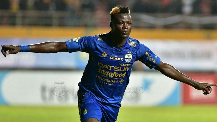 Striker Persib Bandung, Ezechiel Ndouassel. Copyright: © Istimewa