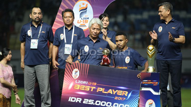 Todd Rivaldo Ferre terpilih sebagai pemain terbaik Liga 1 U-19. Copyright: © INDOSPORT/Herry Ibrahim