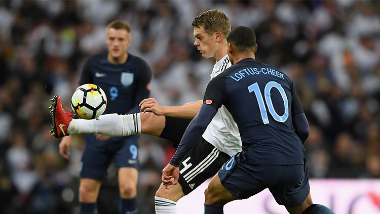 Ruben Loftus-Cheek menjalani debut bersama Inggris saat melawan Jerman. Copyright: © Getty Images