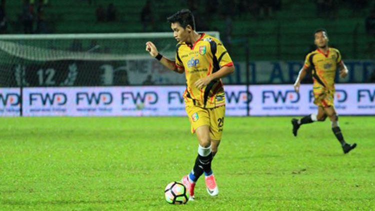 Septian David Maulana saat masih memperkuat Mitra Kukar. Copyright: © Goal