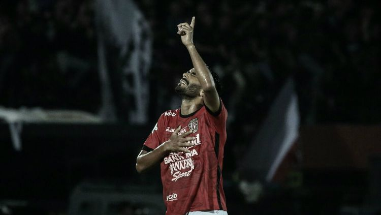 Marcos Flores saat masih membela Bali United. Copyright: © http://www.baliutd.com