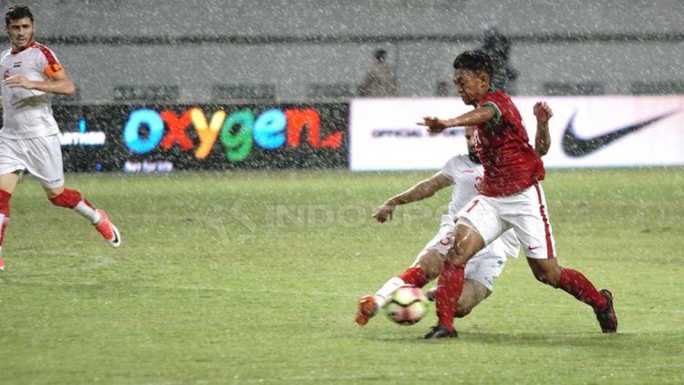 Persib vs PSM. Copyright: © Arif Rahman/INDOSPORT