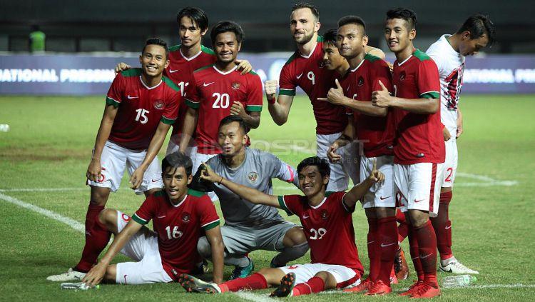 Selebrasi pemain Timnas Indonesia. Copyright: © INDOSPORT/Herry Ibrahim