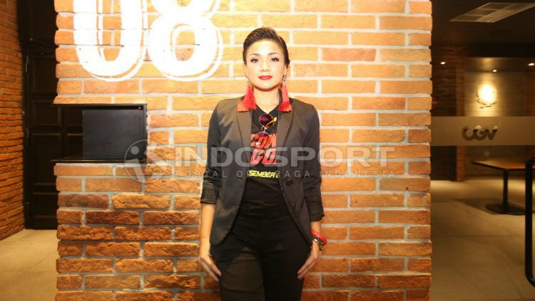 Nirina Zubir dalam preskon film 5 jagoan. Copyright: © INDOSPORT/Eronika Dwi