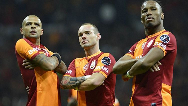 Felipe Melo (kiri) bersama Sneider dan Drogba saat masih memperkuat Galatasaray. Copyright: © INDOSPORT