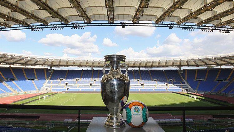 Trofi EURO 2020 di Stadion Olimpico, Roma. Copyright: © UEFA
