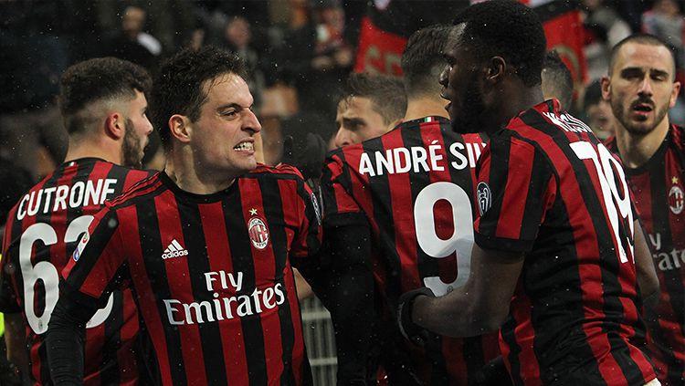Klub Serie A Liga Italia, Torino, kabarnya mendesak gelandang AC Milan, Giacomo Bonaventura, untuk memberi jawaban tegas terkait mana klub pilihannya. Copyright: © INDOSPORT