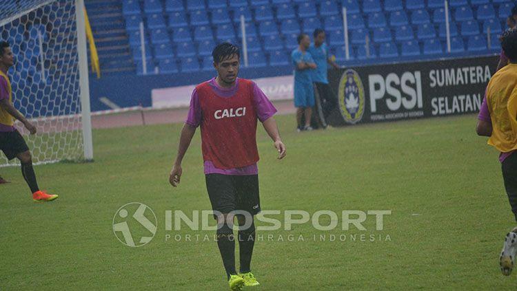 Menyusul kabar kembalinya Liga 1 2020, Novan Setya Sasongko mengatakan bahwa Persela belum memberi pengumuman. Copyright: © Indosport/M Effendi