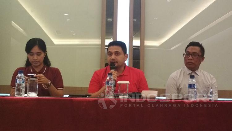 CEO PSM, Munafri Arifuddin (tengah). Copyright: © Muhammad Nur basri/Indosport.com