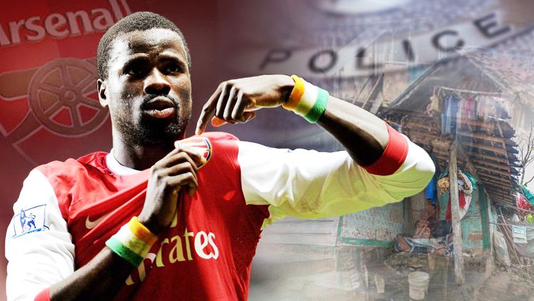 Emmanuel Eboue mantan pemain Arsenal. Copyright: © INDOSPORT