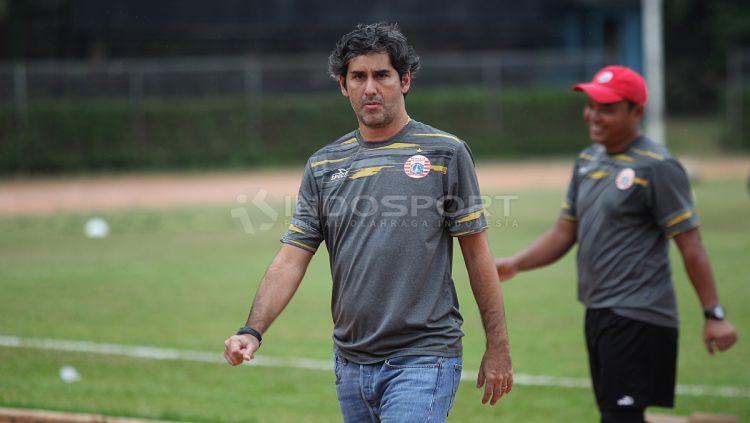 Pelatih Persija Jakarta, Stefano Cugurra Teco. Copyright: © Herry Ibrahim/Indosport.com