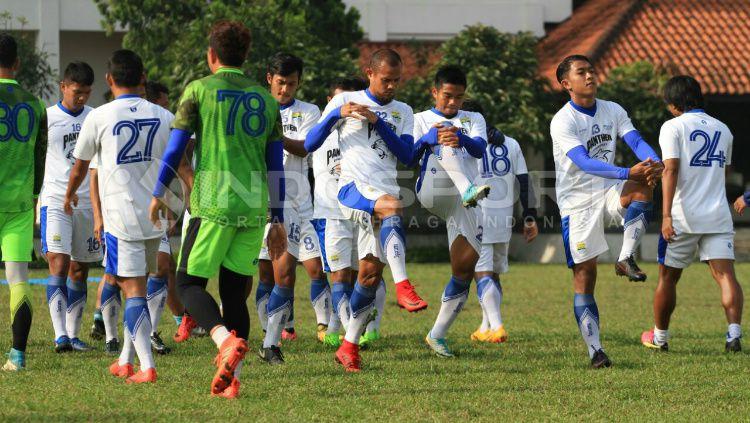 Sesi Latihan Persib Bandung Copyright: © Arif Rahman/INDOSPORT