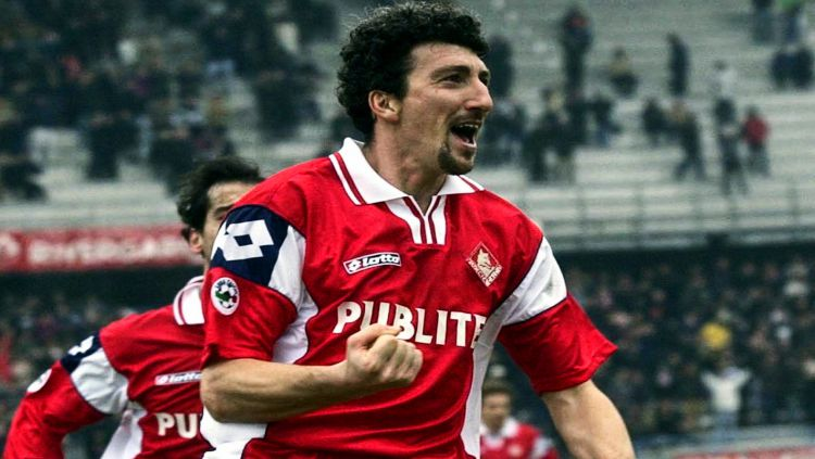 Berstatus striker gaek dan top skor Serie A, nama Dario Hubner pernah menjadi fenomena di masa kejayaan Liga Italia. Copyright: © Thesefootballtimes.co (Internet)