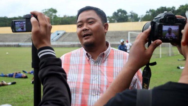 General Manager PSIS Semarang, Wahyu Liluk Winarto, tidak terburu-buru usai meeting dengan PSSI, PT Liga Indonesia Baru, dan perwakilan 18 klub. Copyright: © Tribun Jateng/dok