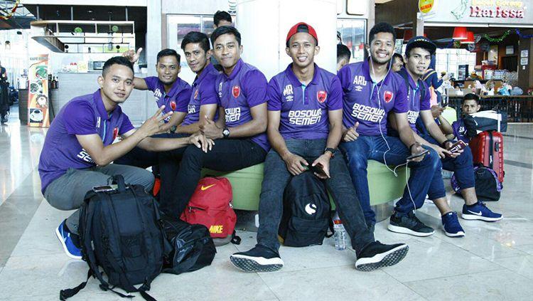 Polo Shirt Umbro baru PSM Makassar. Copyright: © PSM Makassar