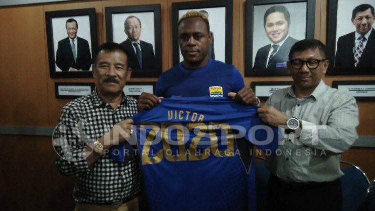 Victor Igbonefo, pemain Persib Bandung. Copyright: © Arif Rahman/INDOSPORT