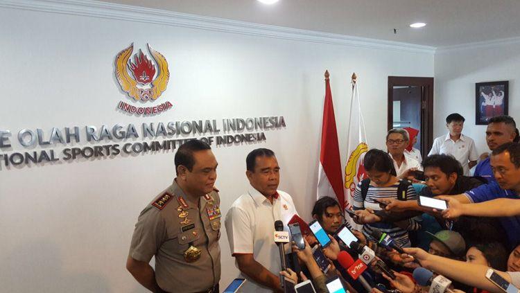 Syafruddin (kiri) dan Ketua KONI Pusat Tono Suratman. Copyright: © Istimewa