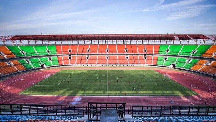 Stadion Gelora Bung Tomo, markas klub Shopee Liga 1 Indonesia 2019, Persebaya Surabaya. Copyright: © stadionesia.blogspot