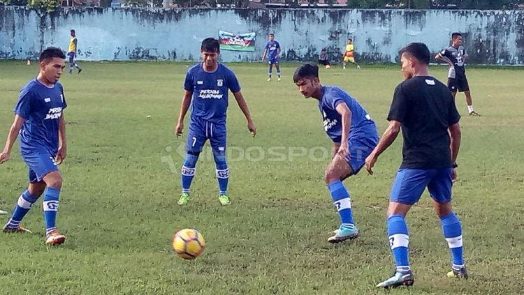 Sesi latihan Persiba Balikpapan Copyright: © Teddy Rumengan/Indosport.com
