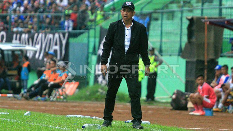 Pelatih Arema FC, Joko Susilo Copyright: © Indosport/Ian Setiawan