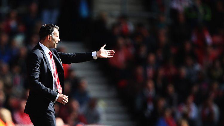 Ryan Giggs saat menjadi pelatih interim di Man United. Copyright: © Getty Images