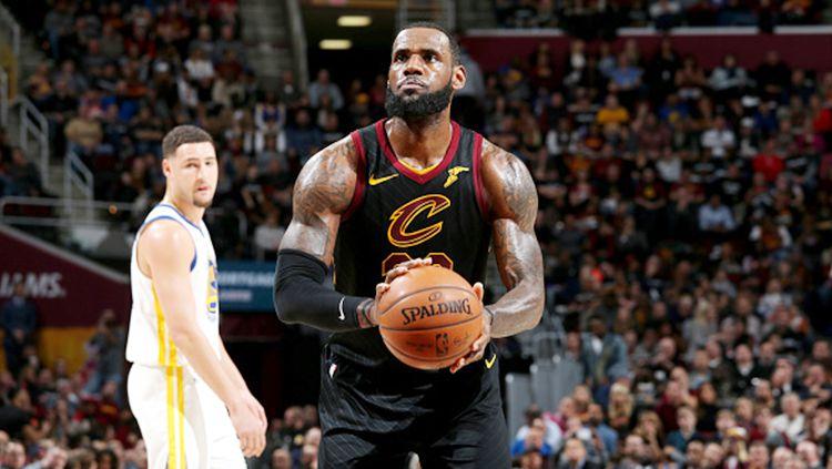 LeBron James saat masih membela Cleveland Cavaliers. Copyright: © Getty Images