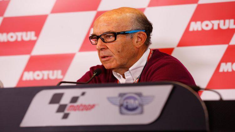 CEO Dorna Sports, Carmelo Ezpeleta, buka suara terkait isu MotoGP digelar tanpa penonton akibat virus corona Copyright: © Ofisial MotoGP