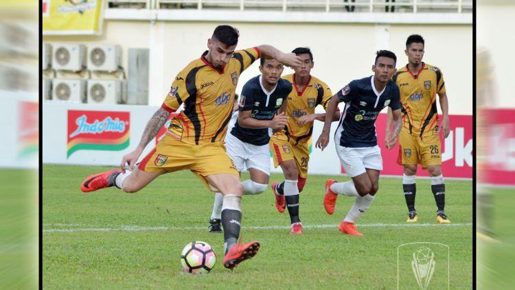 Mitra Kukar FC vs PS Barito Putera Copyright: © Twitter@Liga1Match