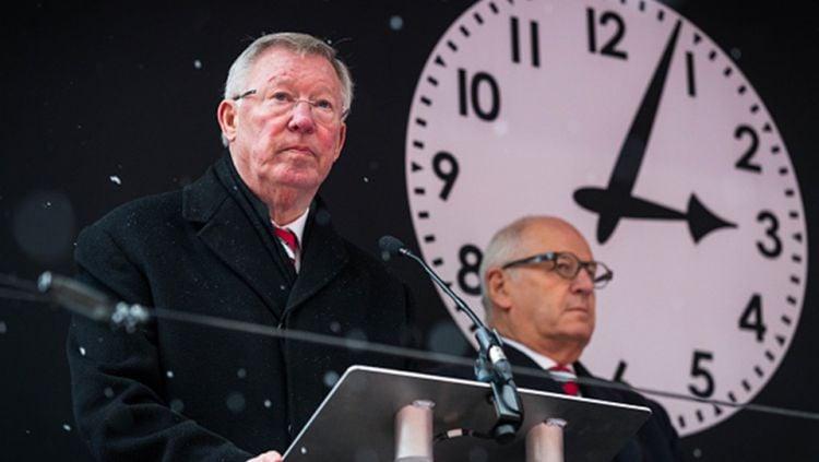 Sir Alex Ferguson memberikan sambutan di acara peringatan Tragedi Munchen 1958. Copyright: © Getty Images