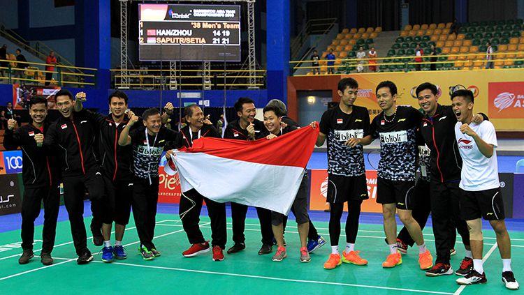 Tim putra berhasil kibarkan bendera merah putih di final Badminton Asia Championships 2018. Copyright: © HUMAS PBSI