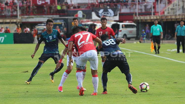 Bali United vs Yangon United Copyright: © Rudi Khaizan/Indosport.com