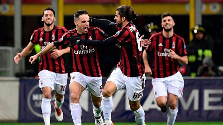 Giancomo Bonaventura sempat absen lama dari AC Milan akibat cedera parah yang dideritanya. Meski begitu dirinya bisa tampil apik sehingga menarik perhatian Marco Giampaolo. Copyright: © Getty Images